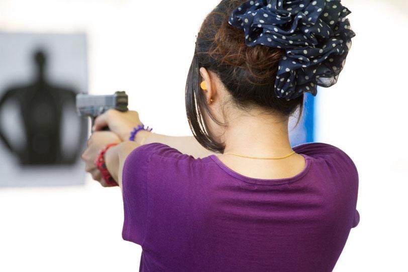 woman-shooting-at-range